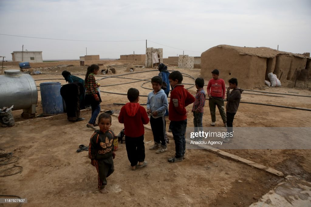 Life returns to normal in Tal Abyad : Nieuwsfoto's