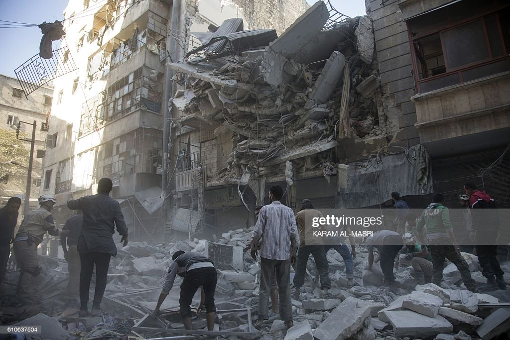 TOPSHOT-SYRIA-CONFLICT-ALEPPO : News Photo