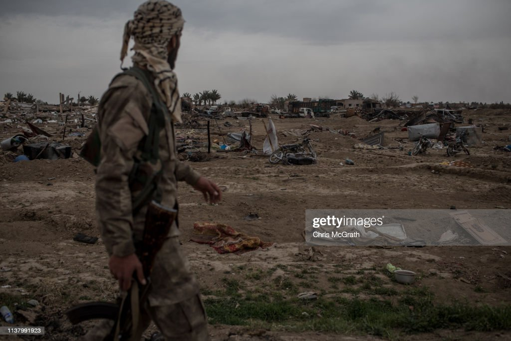 Last ISIS-Held Village In Syria Falls to US-Backed Forces : Nachrichtenfoto