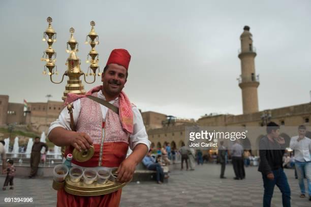 シリア人、イラクでタマリンド ジュースを販売 - クルディスタン ストックフォトと画像