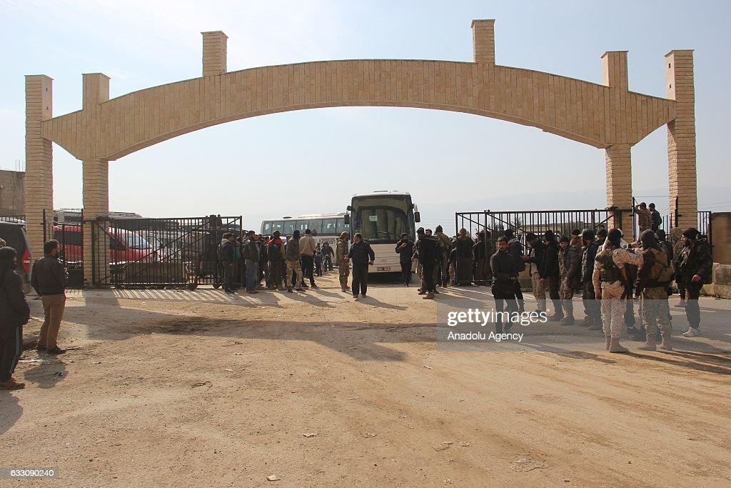 Evacuation of Syrias Wadi Barada resumes after pause : News Photo