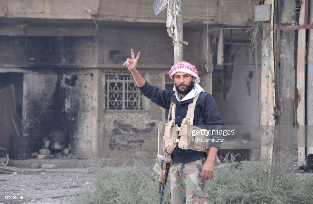 SYRIA-CONFLICT-DEIR EZZOR : Photo d'actualité