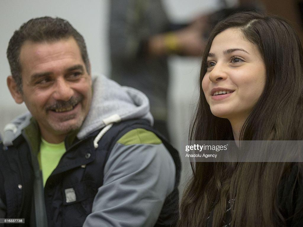 Syrian Refugee athlete Yusra Mardini press conference in Berlin : News Photo