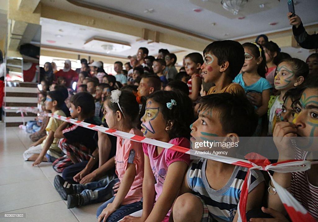 Syrian refugee children in Turkey : News Photo