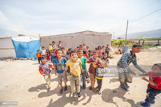 sirio los refugiados de niños - leishmania fotografías e imágenes de stock