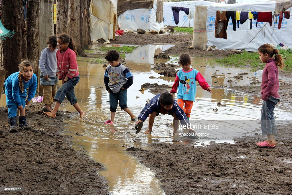 Syrian refugees in Lebanon : News Photo