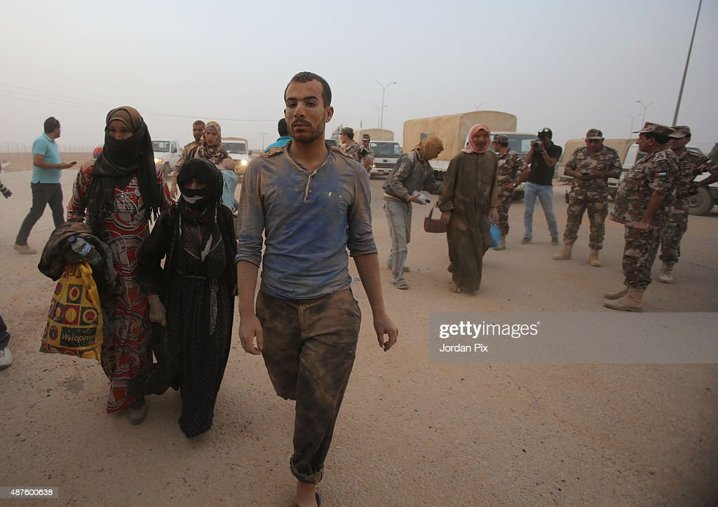 Syrian Refugees Arrive At Jordan Border : News Photo