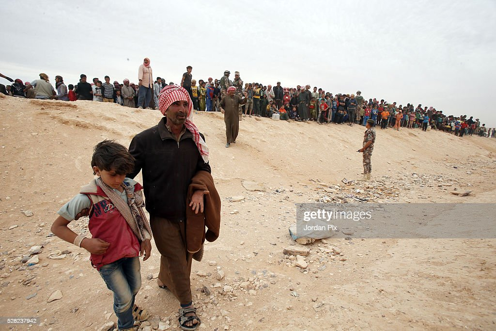 Syrian Refugees Cross Into Jordan : News Photo