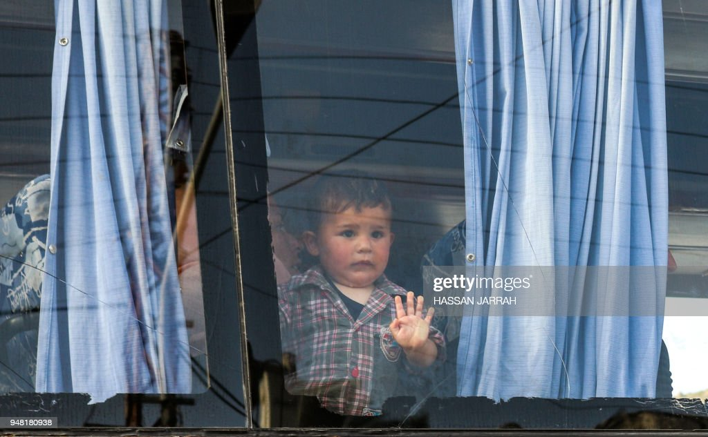 LEBANON-SYRIA-CONFLICT-EVACUATION : News Photo