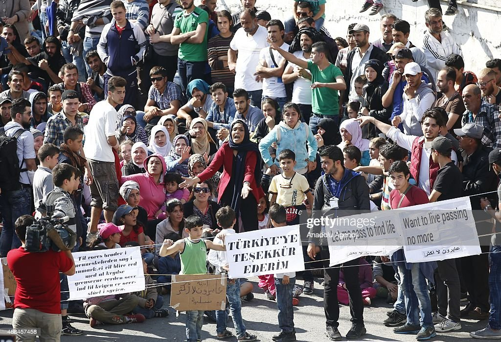 Syrian refugees hope to go to Germany from Istanbul : News Photo