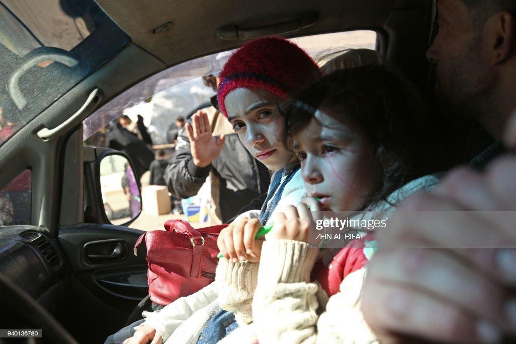SYRIA-CONFLICT-GHOUTA-EVACUATIONS : Foto jornalística
