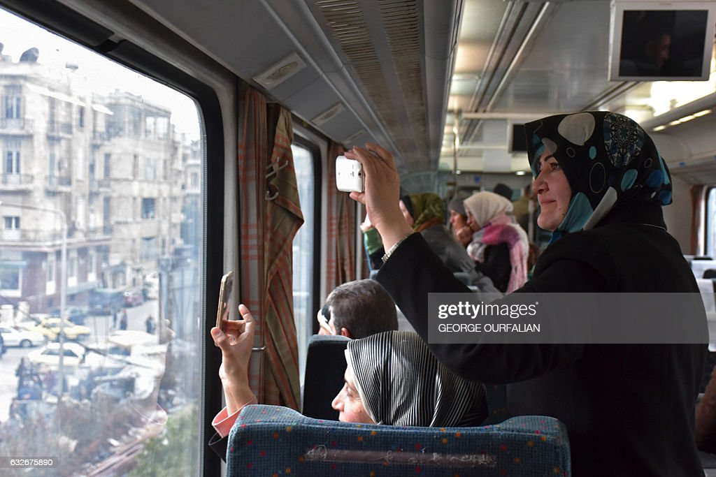 TOPSHOT-SYRIA-CONFLICT-ALEPPO-TRAIN : News Photo