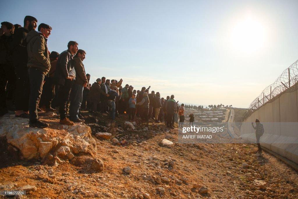 TOPSHOT-SYRIA-TURKEY-CONFLICT : Nachrichtenfoto