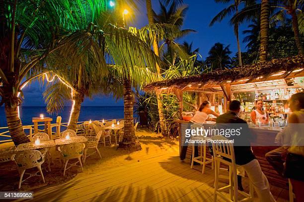Syroz Bar on the Beach