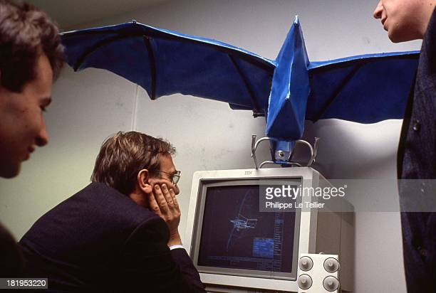 System computer aided design to draw the aircraft Rafale With Gerard Renon Secretary of State Defense 1990 France Systeme de conception assistee par...