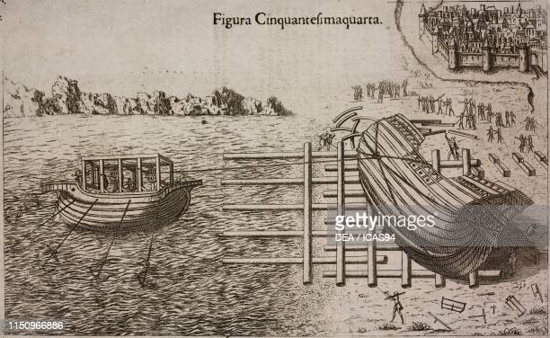 System to launch a ship, similar to that of the screw used by Archimedes with the ship built for Hiero, engraving from Il theatro de gl'instrumenti e...