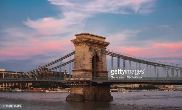 szechenyi chain bridge - budapest - ponte széchenyi lánchíd - fotografias e filmes do acervo