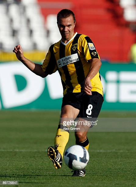 Szilard Nemeth of Aachen passes the ball during the Second Bundesliga match between Karlsruher SC and Alemannia Aachen at the Wildpark Stadium on...