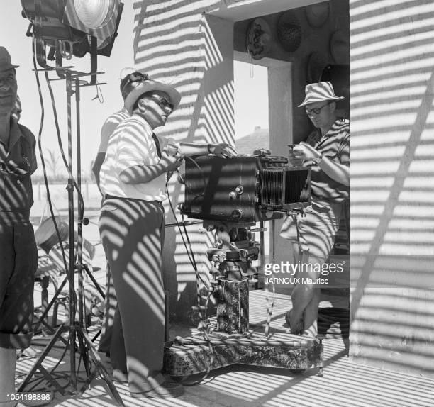 CAMARGUE été 1951 Tournage du film Le salaire de la peur d'HenriGeorges Clouzot avec Charles VANEL et Yves MONTAND Ici le réalisateur HenriGeorges...