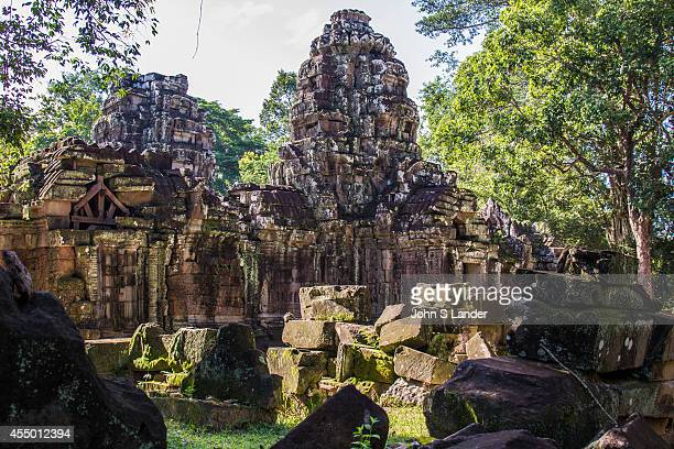 Ta Som was built at the end of the 12th century near Neak Pean King Jayavarman VII dedicated the temple to his father who was his predecessor The...