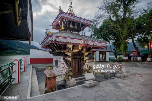 taal barahi... pokhara, nepal. - taal foto e immagini stock