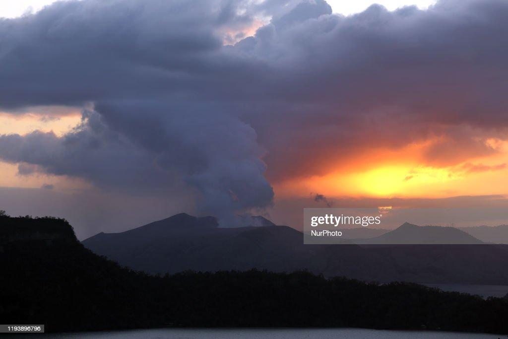Taal Volcano Eruption : News Photo