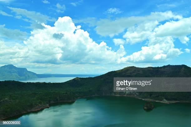 taal volcano philippines - taal foto e immagini stock