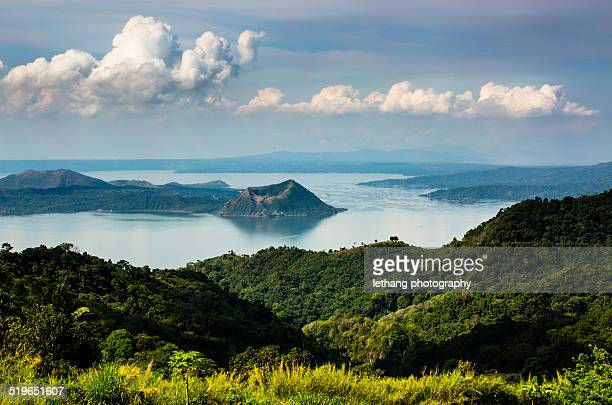 taal volcano - taal volcano stock photos and pictures