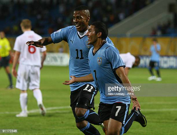 Tabare Viudez of Uruguay celebrates his winning goal with Abel Hernandez during the FIFA U20 World Cup Group D match between England and Uruguay at...