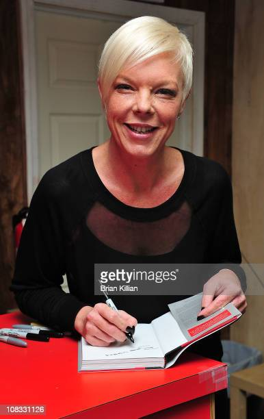 """Tabatha Coffey promotes her new book """"It's Not Really About the Hair"""" at Bookends Bookstore on January 25, 2011 in Ridgewood, New Jersey."""