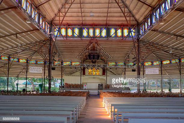 tabernacle in oak bluffs, martha's vineyard, massachusetts. - methodist church stockfoto's en -beelden
