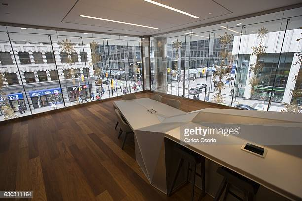 TORONTO ON DECEMBER A table and work room overlooking Yonge and Adelaide streets Commercial real estate giant CBRE and Deloitte are both among the...