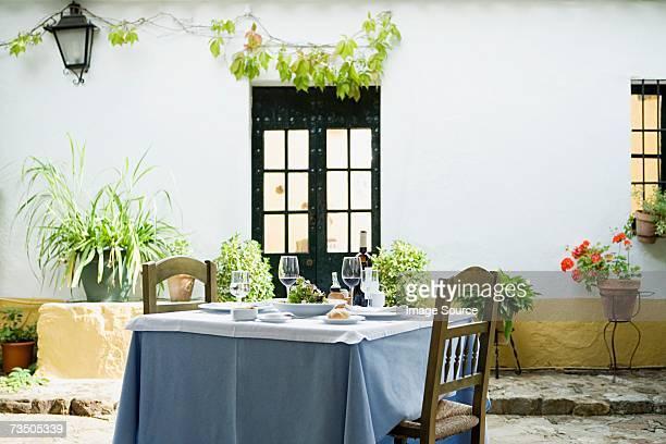 mesa en un restaurante - cádiz fotografías e imágenes de stock