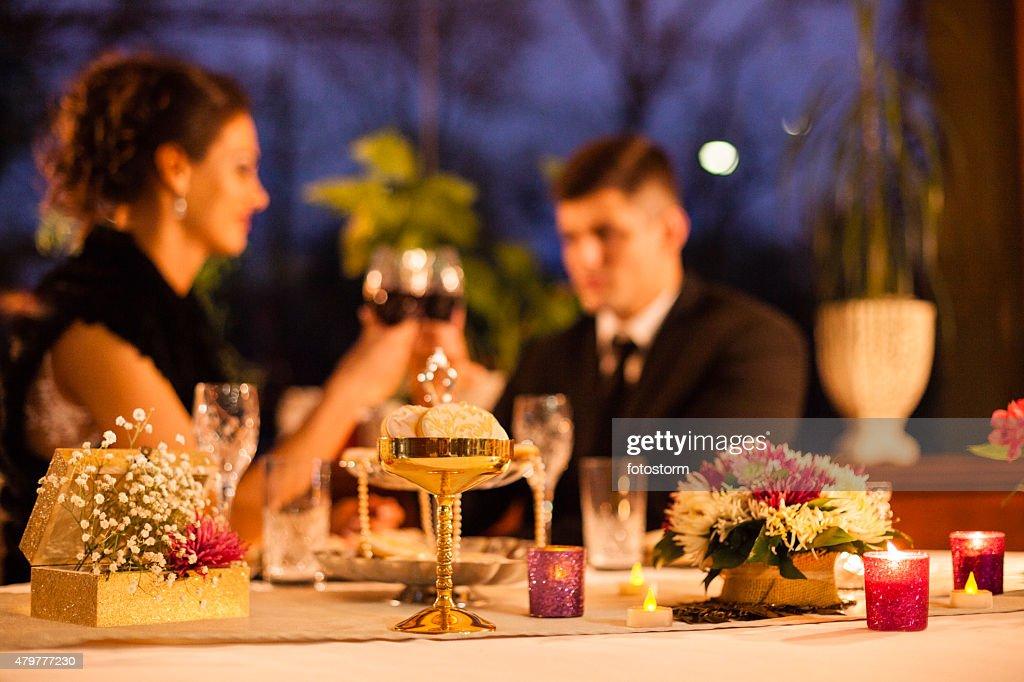 Décoration de Table pour un dîner romantique au restaurant : Photo