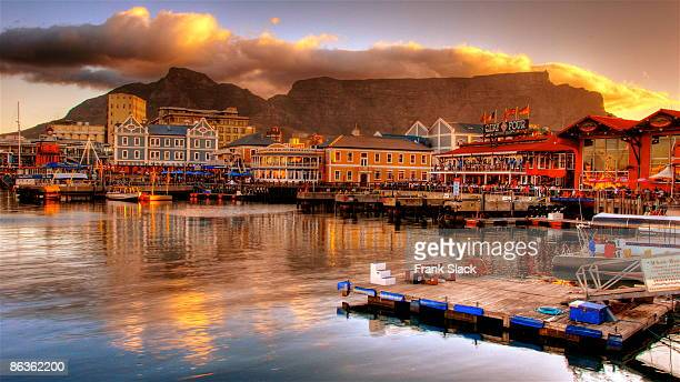 table mountain - south africa stock pictures, royalty-free photos & images