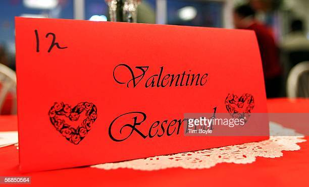 A table reservation is seen inside a White Castle restaurant during a Valentine's Day dinner February 14 2006 in Des Plaines Illinois For Valentine's...