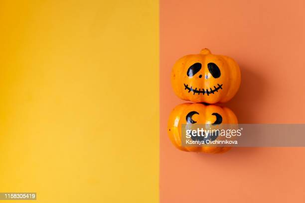 table top view aerial image of decoration happy halloween day background concept.flat lay accessories essential object to party the pumpkin - scary pumpkin faces stock photos and pictures