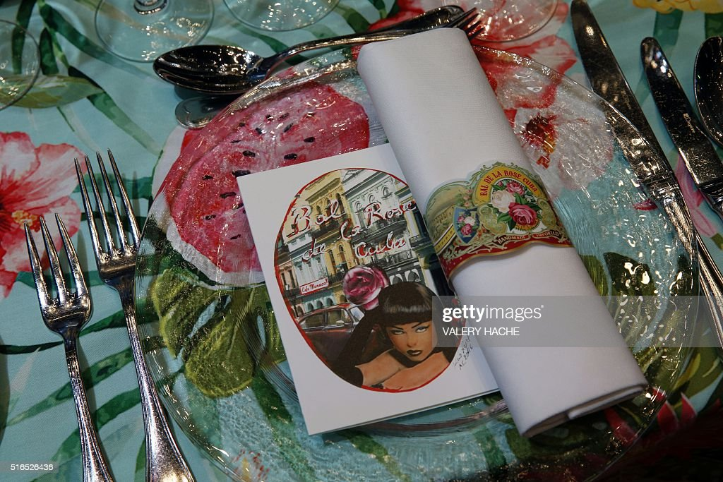 MONACO-ROYALS-CHARITY-BALL-ROSE : News Photo
