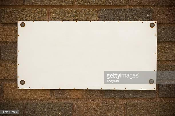 Tablet auf der Wand
