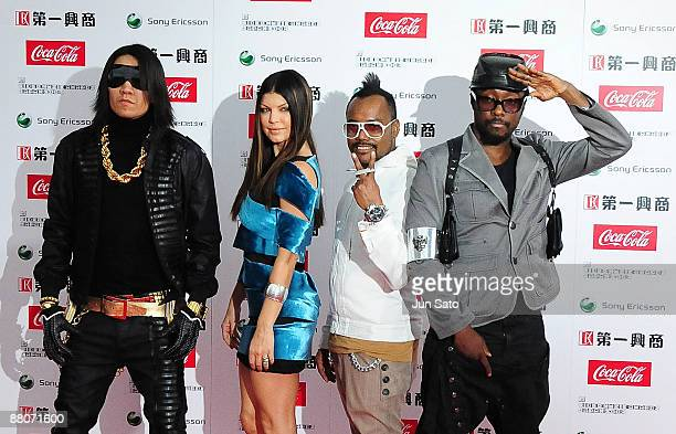 Taboo Fergie AplDeAp and william of Black Eyed Peas pose on the red carpet during the MTV Video Music Awards Japan 2009 at Saitama Super Arena on May...