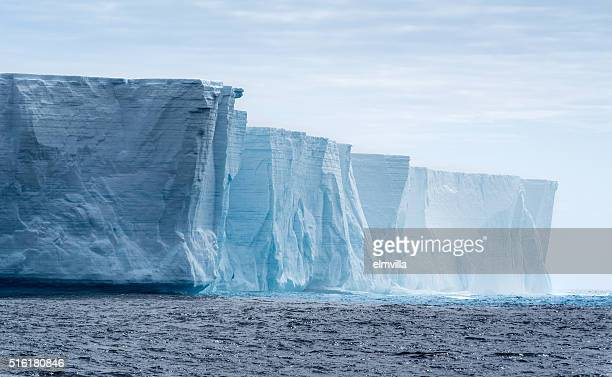 tabular iceberg in antarctica - berg stock pictures, royalty-free photos & images