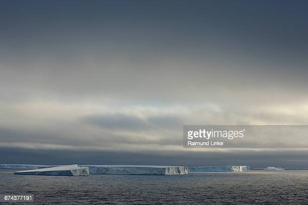 tabular iceberg - antarctic sound stock pictures, royalty-free photos & images