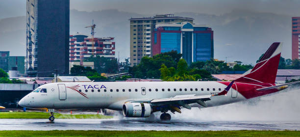 Taca Airlines Embraer 190