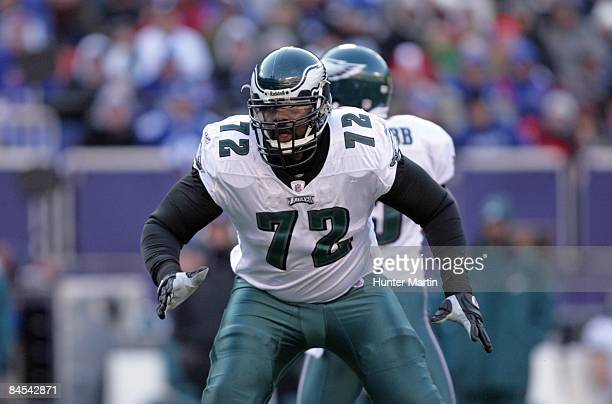 Tackle Tra Thomas of the Philadelphia Eagles pass blocks during the NFC Divisional Playoff game against the New York Giants on January 11 2009 at...