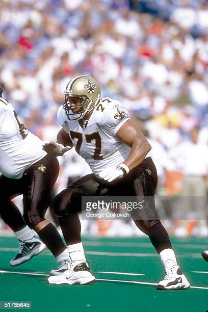 Tackle William Roaf of New Orleans Saints during a 24 to 6 win over the Buffalo Bills on