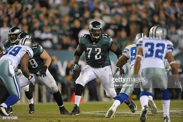 Tackle William Thomas of the Philadelphia Eagles blocks during the game against the Dallas Cowboys on December 28 2008 at Lincoln Financial Field in...