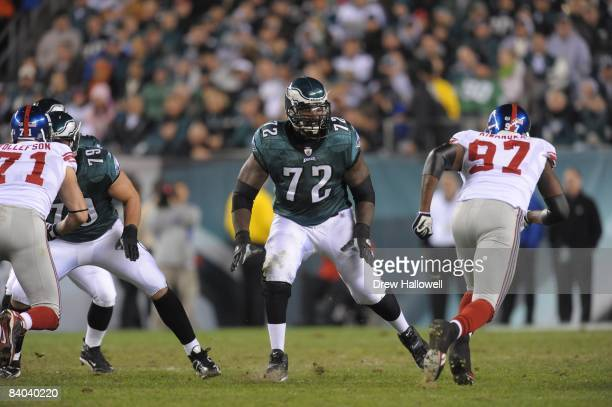 Tackle William Thomas of the Philadelphia Eagles looks to make a block during the game against the New York Giants on November 9 2008 at Lincoln...