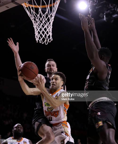 Tad Dufelmeier of the Taipans drives at the basket during the round 13 NBL match between the Illawarra Hawks and the Cairns Taipans at WIN...