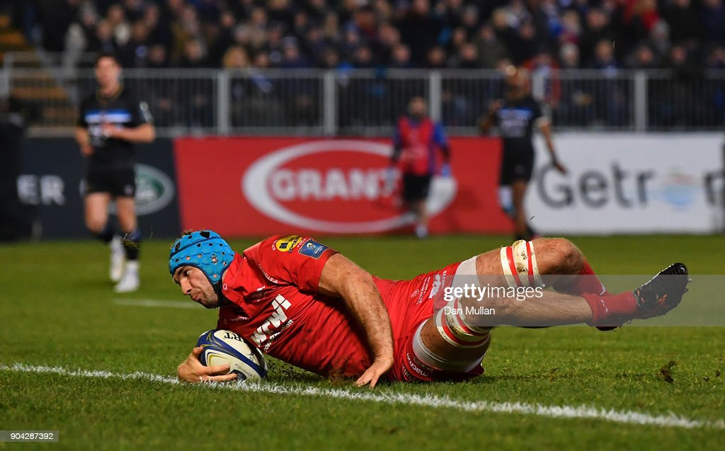 Tadhg Beirne of Scarlets dives over to score his side's first try during the European Rugby Champions Cup match between Bath Rugby and Scarlets at the Recreation Ground on January 12, 2018 in Bath, England.