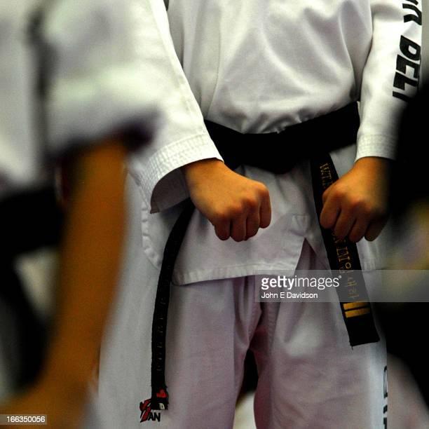 tae kwon do. - taekwondo photos et images de collection